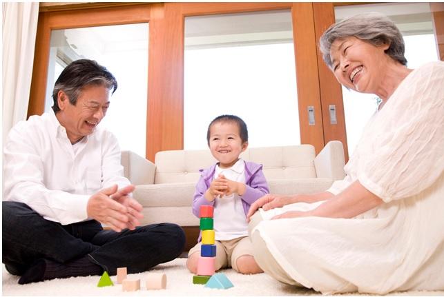 孫と一緒にする遊びと注意点と対策『第1位は散歩』